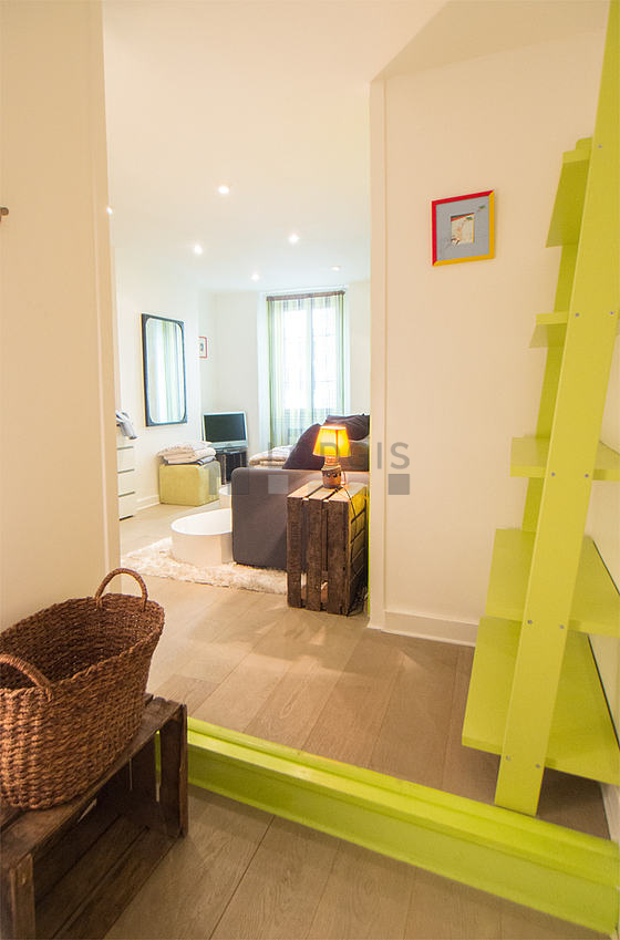Location studio paris 17 rue m d ric meubl 25 m for Location appartement meuble paris