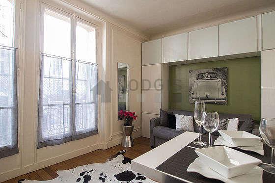 Affitto ammobiliata monolocale boulevard mile augier for Soggiorno a parigi