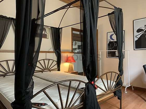 Chambre pour 2 personnes équipée de 2 lit(s) de 90cm