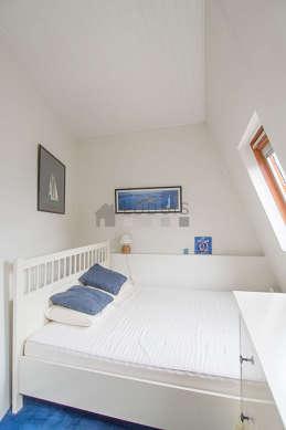 Chambre de 6m² avec la moquette au sol