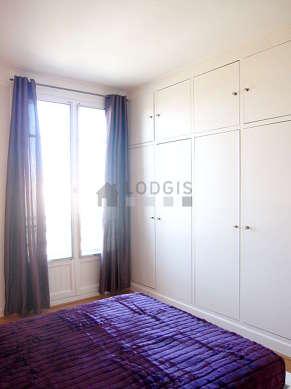 Location appartement 1 chambre avec ascenseur paris 17 for Chambre paris 13