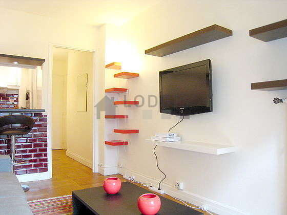 Location studio avec ascenseur paris 16 rue parent de for Appartement meuble paris long sejour