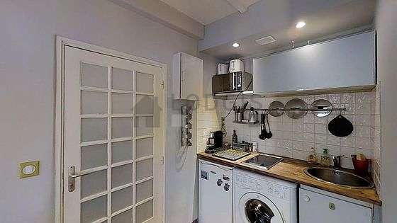Cuisine dînatoire pour 4 personne(s) équipée de lave linge, sèche linge, réfrigerateur, freezer