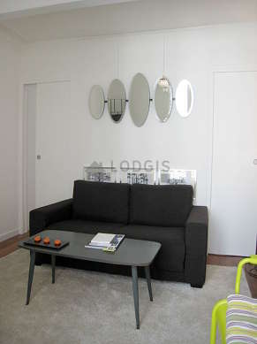 Quiet living room furnished with 1 sofabed(s) of 120cm, tv, dvd player, 1 armchair(s)