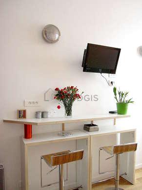 Séjour calme équipé de 1 lit(s) de 90cm, 1 lit(s) armoire de 140cm, téléviseur, lecteur de dvd