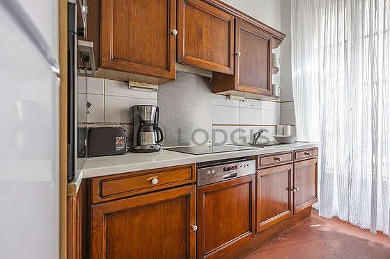Cuisine dînatoire pour 2 personne(s) équipée de lave vaisselle, plaques de cuisson, vaisselle, tabouret