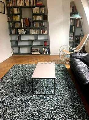 Séjour équipé de téléviseur, lecteur de dvd, 2 fauteuil(s), 1 chaise(s)