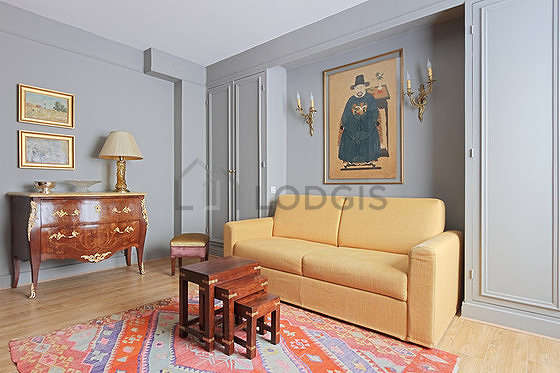 location studio meuble paris 7. Black Bedroom Furniture Sets. Home Design Ideas