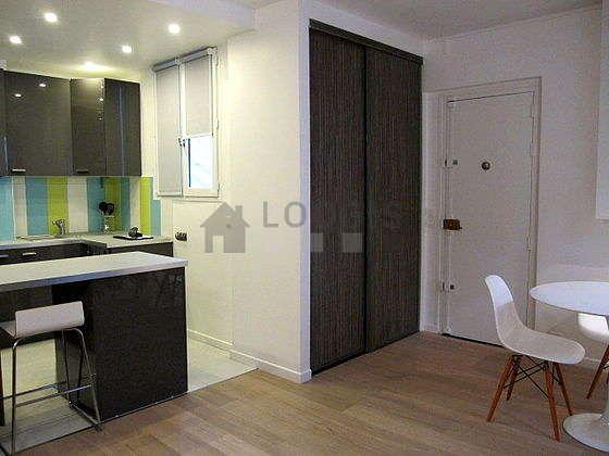 Location Studio Paris 14 Rue Paul Fort Meublé 33 M² Alésia