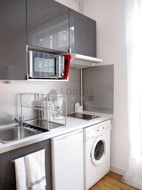 Cuisine dînatoire pour 5 personne(s) équipée de lave linge, réfrigerateur, freezer, hotte