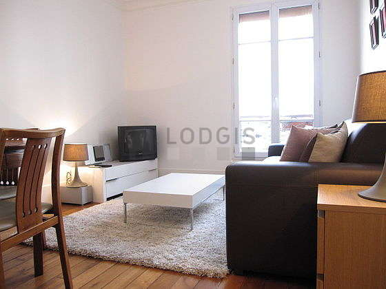 Very quiet living room furnished with 1 sofabed(s) of 140cm, tv, hi-fi stereo, 4 chair(s)