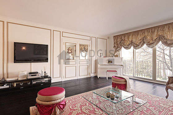 location appartement 3 chambres avec terrasse piano et ascenseur paris 16 avenue foch. Black Bedroom Furniture Sets. Home Design Ideas