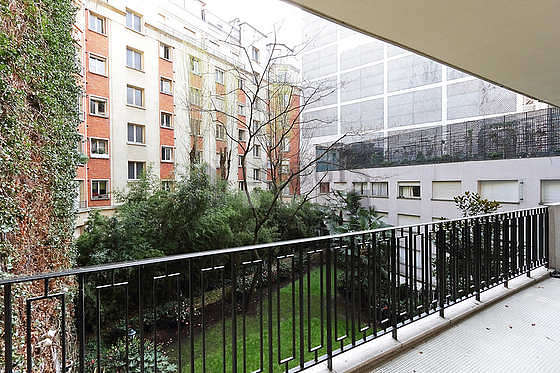 Location appartement 3 chambres avec terrasse piano et for Appartement terrasse paris 16