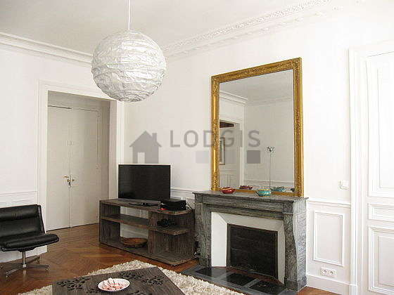 http://images.lodgis.com/photos/lpa/ap/11807/orange/carousel/g/apartment-paris-living-room-G11.jpg?v=1502979022