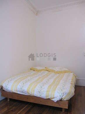 Location appartement 1 chambre avec chemin e paris 19 for Chambre 19 paris