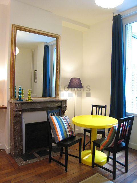 Location appartement 1 chambre avec concierge paris 14 for Location appartement meuble paris