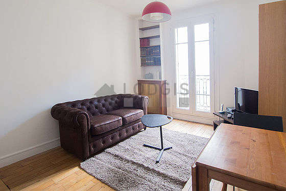 Salon de 10m² avec du parquet au sol