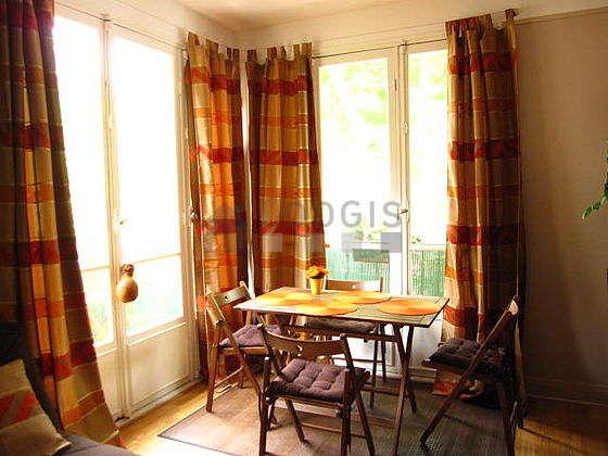 Salon équipé de placard, 8 chaise(s)