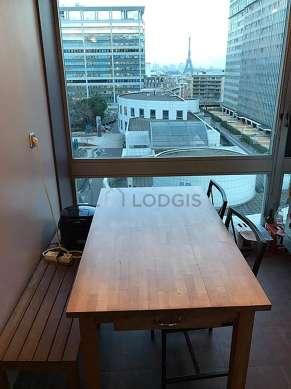 Cuisine dînatoire pour 4 personne(s) équipée de lave vaisselle, plaques de cuisson, réfrigerateur, vaisselle