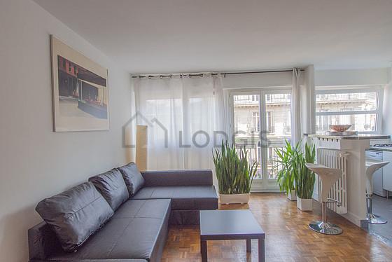 Location appartement 1 chambre avec ascenseur et concierge paris 9 rue de rochechouart - Location appartement paris meuble ...