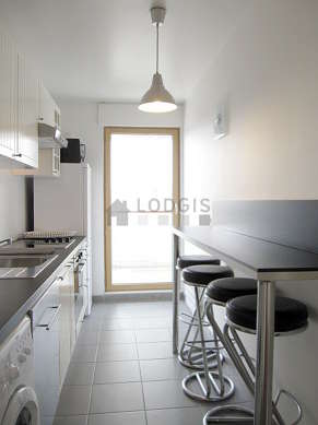 Kitchen where you can have dinner for 4 person(s) equipped with washing machine, dryer, refrigerator, extractor hood