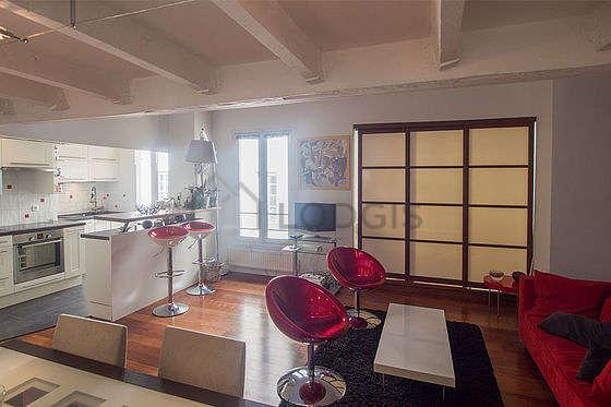 Beau séjour très calme et lumineux d'un appartement à Paris