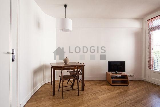 location studio avec ascenseur et concierge boulogne billancourt 92100 meubl 32 m proche. Black Bedroom Furniture Sets. Home Design Ideas