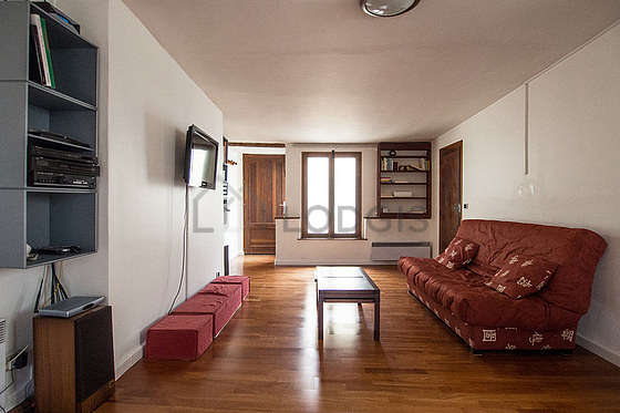 Séjour très calme équipé de 1 canapé(s) lit(s) de 140cm, téléviseur, chaine hifi
