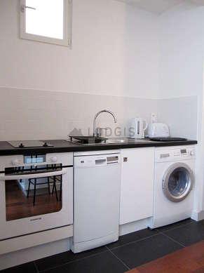 Cuisine dînatoire pour 4 personne(s) équipée de lave linge, réfrigerateur, vaisselle, tabouret