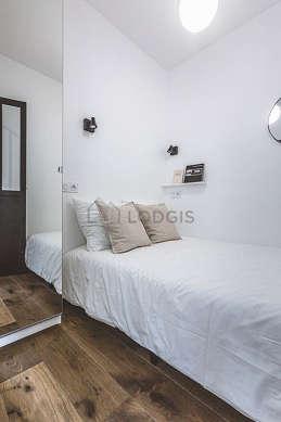 Séjour très calme et lumineux d'un appartement à Paris