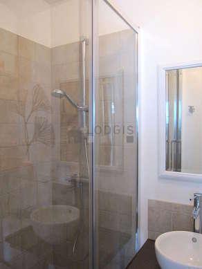 Beautiful bathroom with linoleum floor