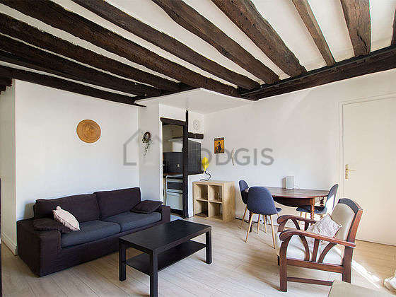 Quiet living room furnished with 1 sofabed(s) of 140cm, tv, hi-fi stereo, storage space