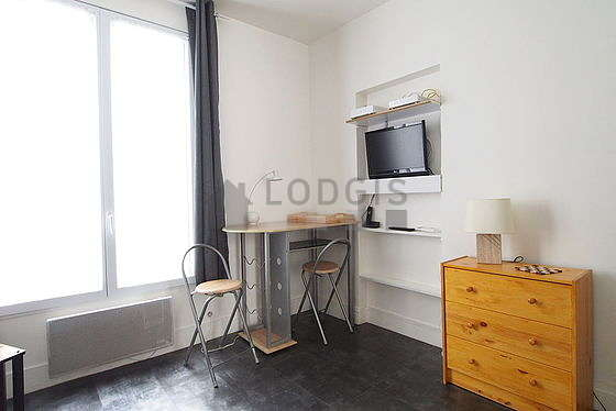 location studio paris 9 rue de la rochefoucault. Black Bedroom Furniture Sets. Home Design Ideas