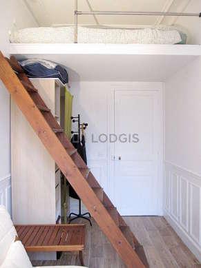 Chambre pour 4 personnes équipée de 1 lit(s) mezzanine de 140cm, 1 canapé(s) lit(s) de 140cm