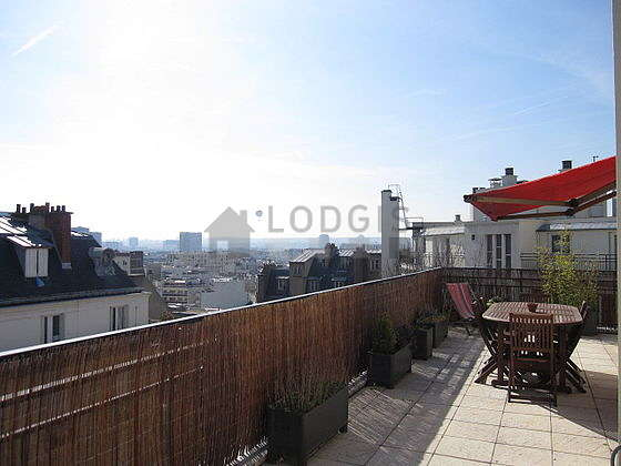 Location appartement 1 chambre avec terrasse et ascenseur for Appartement meuble paris 16