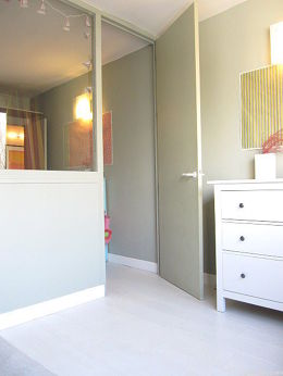 Bedroom equipped with storage space