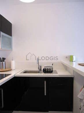 Cuisine dînatoire pour 2 personne(s) équipée de lave vaisselle, plaques de cuisson, réfrigerateur, freezer