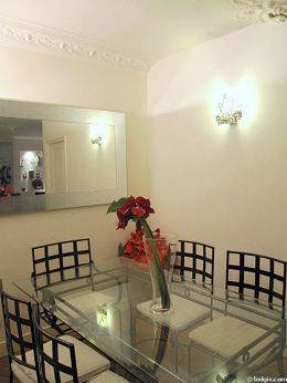 Salle à manger équipée de table à manger, 6 chaise(s)