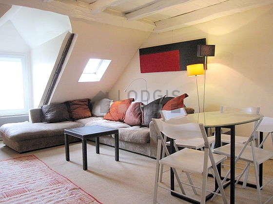 Séjour très calme équipé de 1 canapé(s) lit(s) de 140cm, téléviseur, chaine hifi, commode