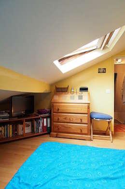 Chambre calme pour 2 personnes équipée de 1 futon(s) de 180cm