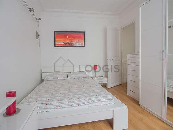Location appartement 1 chambre avec place de parking en for Chambre 19 paris