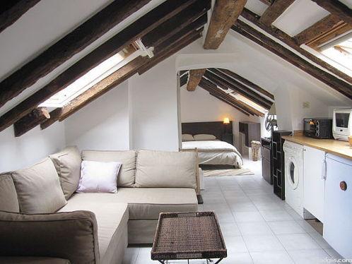 Location studio avec ascenseur paris 1 rue des innocents for Location appartement avec chambre sans fenetre