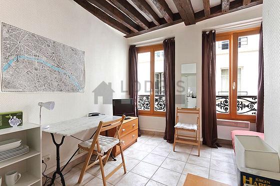 location studio paris 5 rue du pot de fer meubl 14 m jardin des plantes. Black Bedroom Furniture Sets. Home Design Ideas