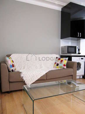 Very quiet living room furnished with 1 sofabed(s) of 140cm, tv, dvd player, wardrobe