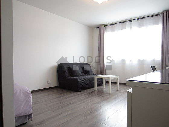 Quiet living room furnished with 1 sofabed(s) of 140cm, 1 bed(s) of 160cm, tv, wardrobe