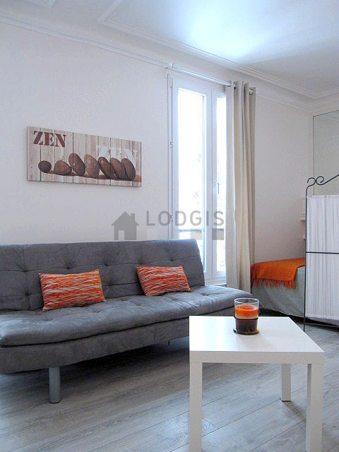 location studio paris 17 rue vernier meubl 22 m. Black Bedroom Furniture Sets. Home Design Ideas