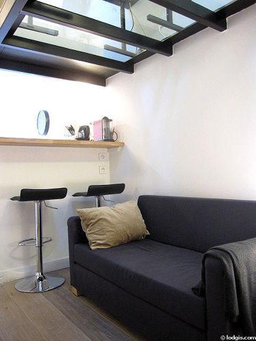 Séjour très calme équipé de 1 canapé(s) lit(s) de 130cm, téléviseur, lecteur de dvd, penderie