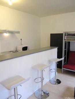 Séjour calme équipé de 1 lit(s) mezzanine de 90cm, 1 canapé(s) lit(s) de 140cm, téléviseur, armoire