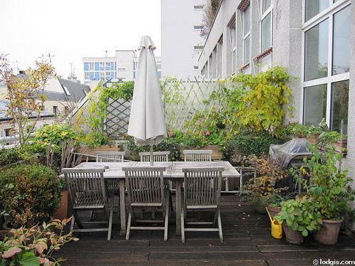 Terrasse calme et très lumineuse