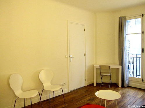 Location studio avec ascenseur et concierge paris 16 rue for Appartement meuble paris 16